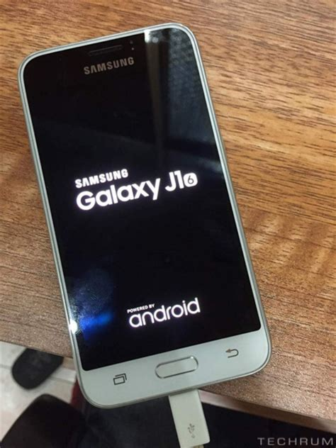 Images and specifications of Samsung Galaxy J1 (2016) leak