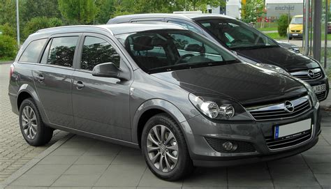 2005 Opel Astra h caravan – pictures, information and