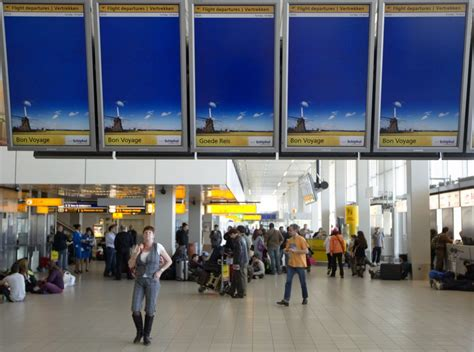 Amsterdam Schiphol Airport Evacuated Over Bomb Threat