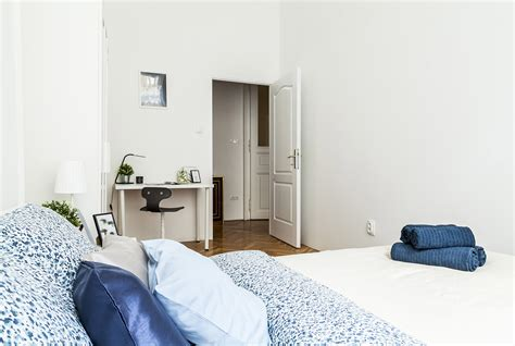 Very lightful flat and rooms in the heart of Budapest