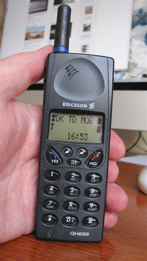 Ericsson GH 688 (1996)   This was my first of many
